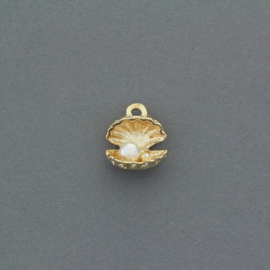 Pendants / open shell with...